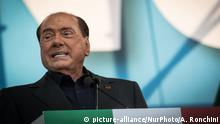 Former Italian Premier Silvio Berlusconi addresses a rally in Rome, Saturday, Oct. 19, 2019. Thousands of protesters are gathering in Rome for a so-called Italian Pride rally, which brings together the right-wing League of Salvini, the far-right Brothers of Italy of Giorgia Meloni and former premier Silvio Berlusconi's Forza Italia on October 19, 2019 in Rome, Italy. (Photo by Andrea Ronchini/NurPhoto) | Keine Weitergabe an Wiederverkäufer.