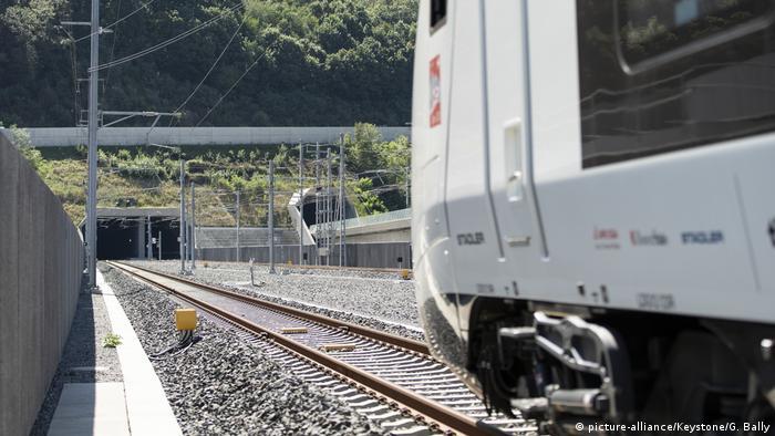 Schweiz Eröffnung Ceneri-Basistunnel CBT (picture-alliance/Keystone/G. Bally)