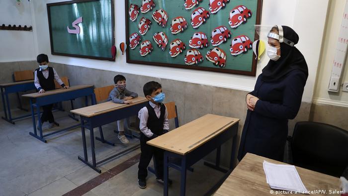Iran I Wiedereröffnung der Schulen