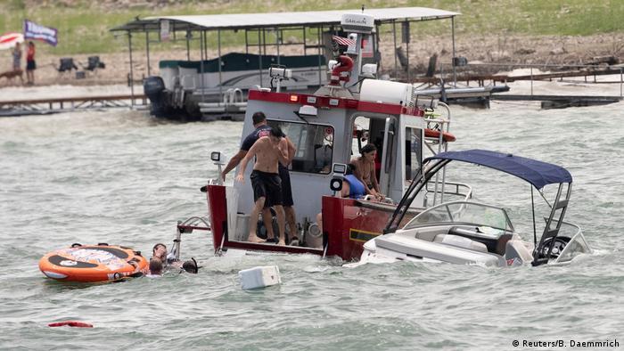 USA Trump Unterstützer auf Lake Travis (Reuters/B. Daemmrich)