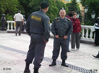 Милиционеры на одной из московских улиц