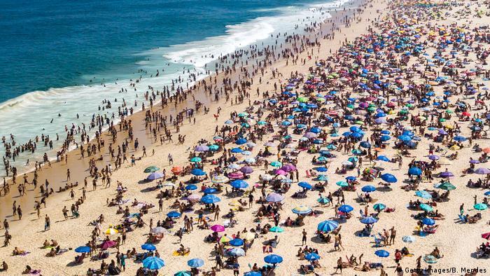 Praia de Ipanema lotada em 6 de setembro de 2020