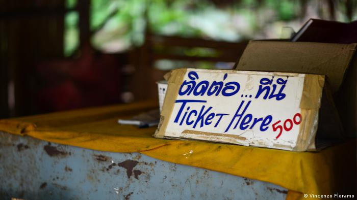 Thailand | Long Neck Women (Vincenzo Floramo)