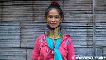 Thailand | Long Neck Women | Giraffenfrauen (Vincenzo Floramo)