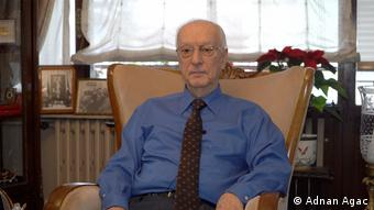Emekli büyükelçi Uluç Özülker
