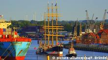 Viermaster-Schiff Peking wird nach Hamburg überführt