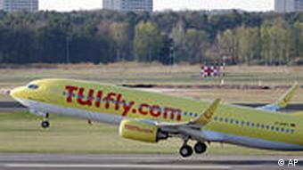 Ein Flugzeug startet (Foto: AP)