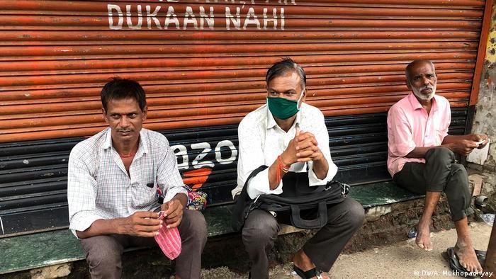 India migrant workers in Mumbai