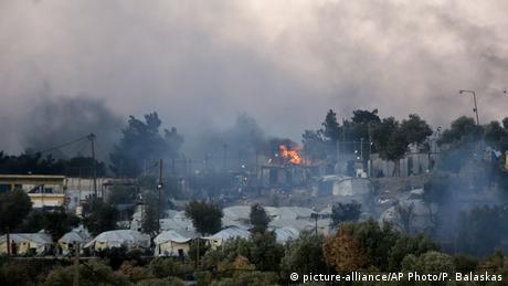 Υπό έλεγχο η πυρκαγιά στη Μόρια είναι ο τίτλος του πρωινού δημοσιεύματος της Süddeutsche Zeitung στην ηλεκτρονική της σελίδα.