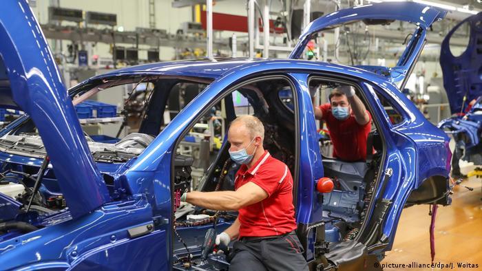 На заводе Porsche AG в Лейпциге