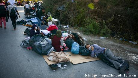 Οι κάτοικοι του άθλιου προσφυγικού καταυλισμού μπόρεσαν να σωθούν. Δεν υπήρξαν θάνατοι ή τραυματισμοί. Σύμφωνα με τα ελληνικά ΜΜΕ, πολλοί άνθρωποι κατέφυγαν στους λόφους και τα δάση κοντά στον καταυλισμό. Σύμφωνα με αυτόπτεις μάρτυρες, χιλιάδες άνθρωποι περιπλανιόντουσαν στους δρόμους, χωρίς τροφή ή νερό, κάτω από καταστροφικές συνθήκες.