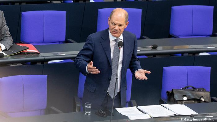 Olaf Scholz, 9 Eylül 2020'de Federal Meclis'te Cum-Ex skandalı ile ilgili soruları yanıtladı
