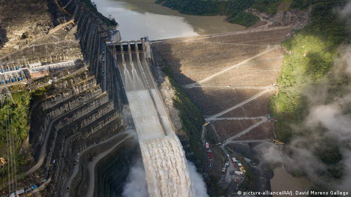 Kolumbien Ituango   Luftansicht des Ituango Damm (picture-alliance/AA/J. David Moreno Gallego)