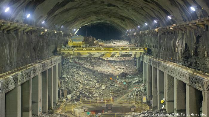 Kolumbien Ituango   Kraftwerk des Hydroelektrischen Damm (picture-alliance/AA/N. Torres Hernandez )