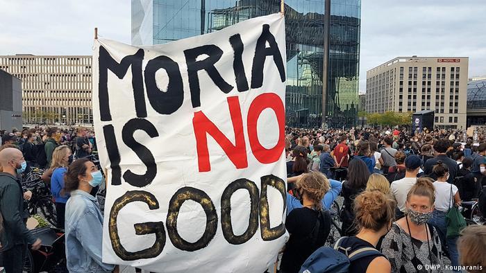 Deutschland Berlin   Kundgebung   Brand im Flüchtlingslager Moria