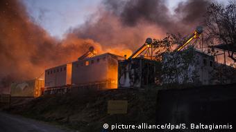 Ο προσφυγικός καταυλισμός στη Μόρια καίγεται