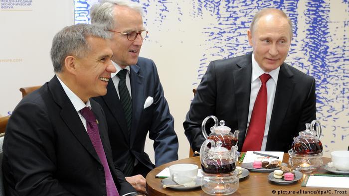 Ruediger von Fritsch (w środku) na spotkaniu z prezydentem Rosji