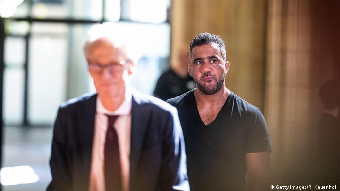 زعيم العصابة عرفات أبوشاكر يبدو أنه حصل على ملايين اليوروهات بالقوة من بوشيدو