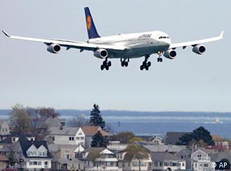 Avioanele zboară - clasa politică discută
