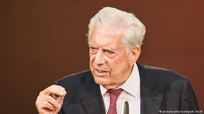 Mario Vargas Llosa (picture-alliance/dpa/A. Riedl)