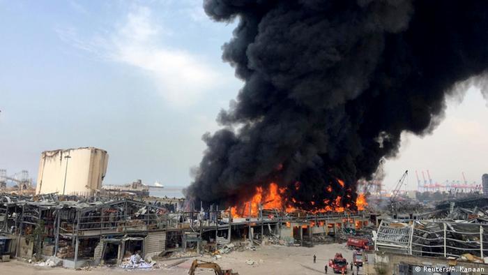 Libanon Beirut Feuer Hafen (Reuters/A. Kanaan)