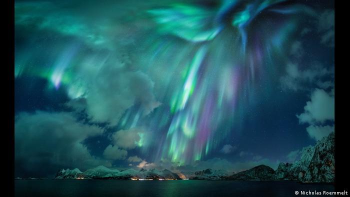 Das Bild von Nicholas Roemmelt zeigt das Naturspektakel Grüne Lady in Finnland.