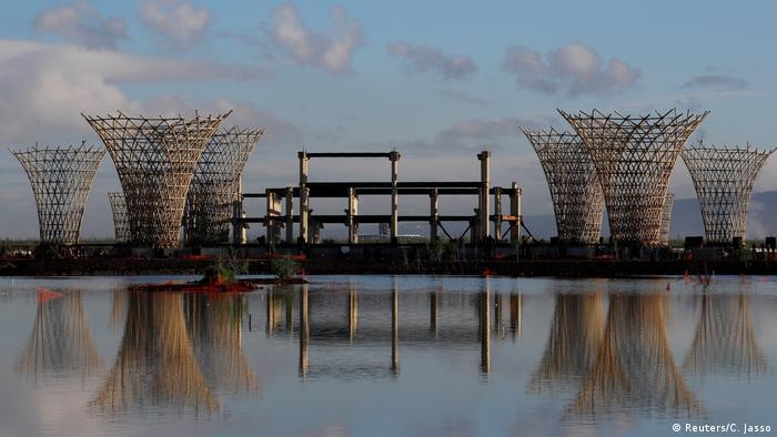 Mexiko City | Texcoco-See holt sich verschotteten Flughafen zurück (Reuters/C. Jasso)