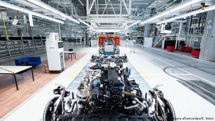 در کارخانه تمام دیجیتال Factory 56 از اینترنت اشیا، هوش مصنوعی، بیگ دیتا الگوریتم، دستگاهها و ابزارهای هوشمند، فناوری واقعیت مجازی و واقعیت افزوده مورد بهرهبرداری قرار میگیرد.