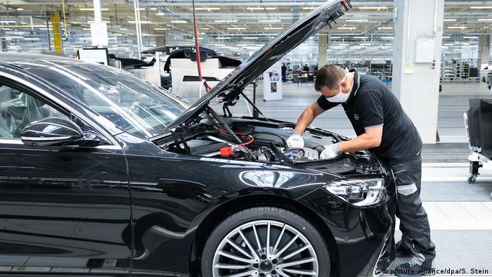 Produkcja samochodów marki Mercedes-Benz w Sindelfingen