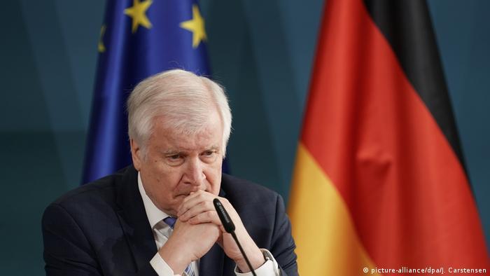 Horst Seehofer, ministro alemán del Interior, este viernes (11.9.2020) durante la rueda de prensa tras la tragedia del campamento de refugiados en Lesbos.