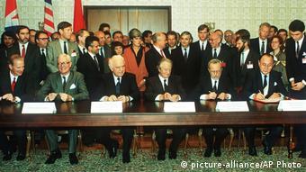 Υπογραφή της Συνθήκης 2+4