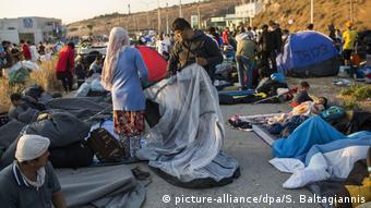 Στον δρόμο βρίσκονται πλέον οι 13.000 άνθρωποι της Μόριας - χωρίς στέγη, τροφή, νερό εν καιρώ πανδημίας