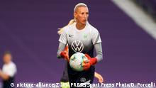 VfL Wolfsburg - Torhüterin Katarzyna Kiedrzynek