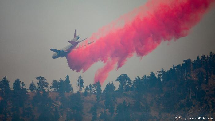 گسترش دامنه آتشسوزی کلانشهر لسآنجلس، این پرجمعیتترین شهر کالیفرنیا را به خطر انداخته است.