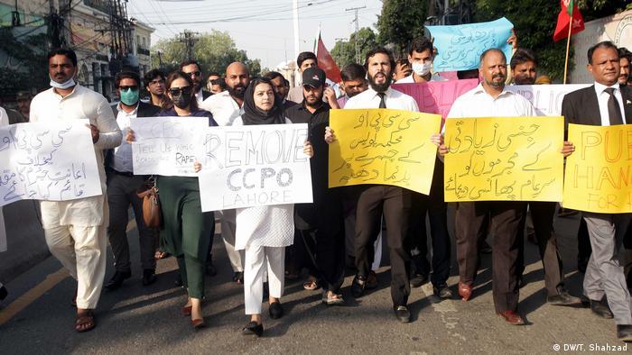 Pakistan Protest gegen Vergewaltigungsfall auf der Autobahn