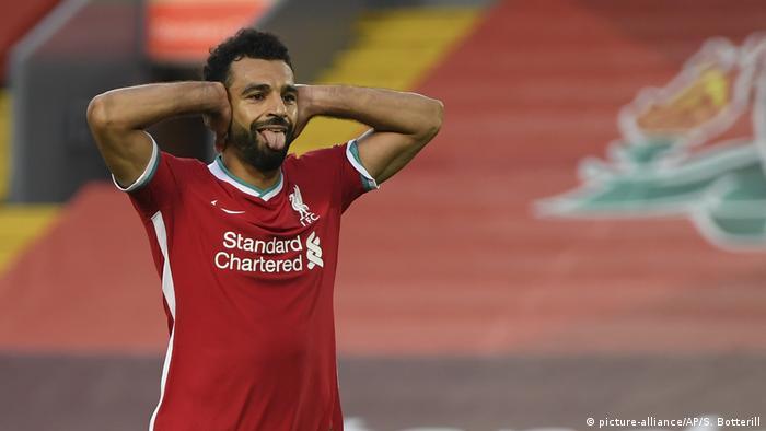 محمد صلاح يحتفل على طريقة مؤمن زكريا بعد تسجيله هدف فوز ليفربول على ليدز يونايتد (12/9/2020)