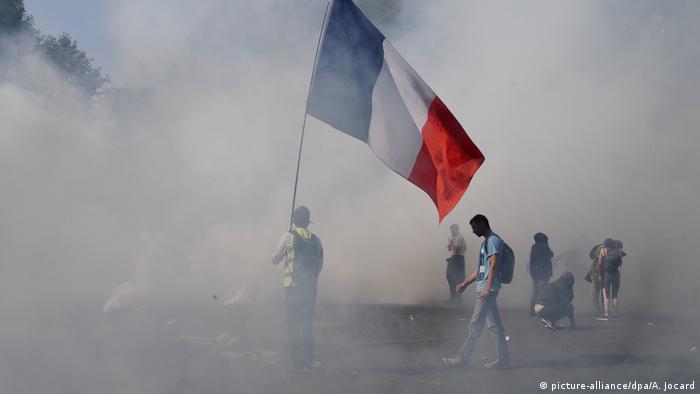 Af Örgütü'nden Fransa'ya: Muğlak yasalarla gösteriler bastırılıyor