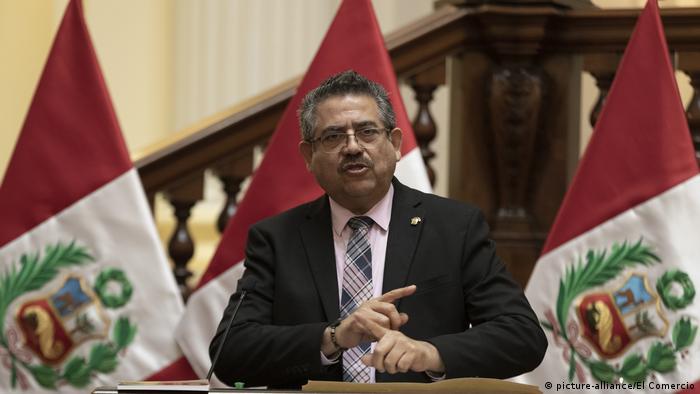 Gegen Vizcarras Nachfolger Manuel Merino wird wegen illegaler Bereicherung ermittelt (Foto: picture-alliance/El Comercio)