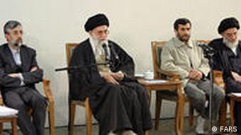 خامنهای نظر احمدی نژاد را بیشتر میپسندد