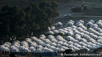 Από τους 12.500 πρόσφυγες τις Μόριας μόνο 800 έχουν έρθει στις σκηνές που έχουν στηθεί κοντά στο Καρά Τεπέ