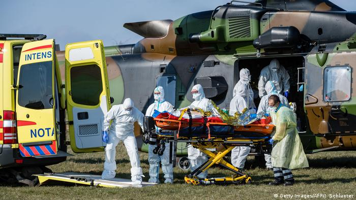Coronavirus | Deutschland Frankreich Patiententransport (Getty Images/AFP/J. Schlueter)