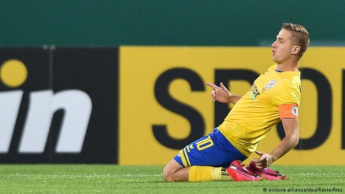 Braunschweig captain Martin Kobylanski (picture-alliance/dpa/Revierfoto)