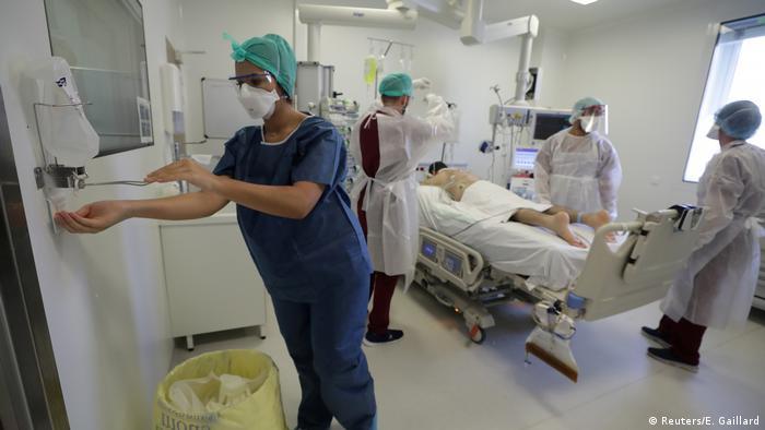 Opieka nad pacjentem chorym na COVID-19 w szpitalu w Marsylii