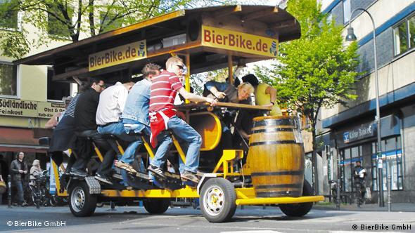 Заправка в 10 литров пива рассчитана на час поездки