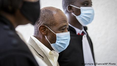 <div>'Hotel Rwanda' hero awaits verdict on terrorism charges</div>