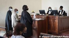 14.09.2020 *** Paul Rusesabagina, 2nd left, who inspired the film Hotel Rwanda for saving people from genocide, appears at the Kicukiro Primary Court in the capital Kigali, Rwanda Monday, Sept. 14, 2020. Rusesabagina became famous for protecting more than 1,000 people as a hotel manager during Rwanda's 1994 genocide and was awarded the U.S. Presidential Medal of Freedom in 2005 but Rwandan authorities accused him of supporting the armed wing of his opposition political platform, which has claimed responsibility for deadly attacks inside Rwanda. (AP Photo) |