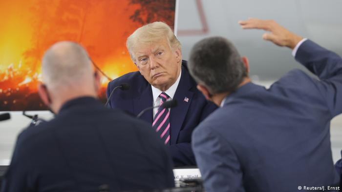 US-Präsident Donald Trump beim Pressebriefing zu den Waldbränden an der Westküste der USA