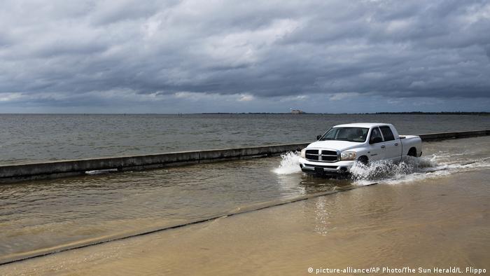 USA Mississippi Hurrikan (picture-alliance/AP Photo/The Sun Herald/L. Flippo)