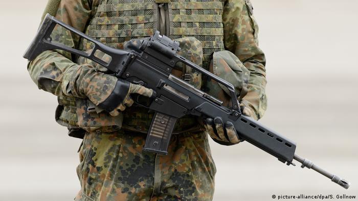 Солдат бундесвера с автоматом G36