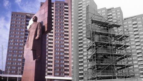 À gauche, la géante statue de Lénine à Berlin-Friedrichshain avant 1989. À droite, la statue prête à être démantelée.